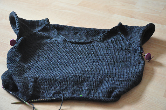 ease pullover sweater wollmeise dk heavy metal