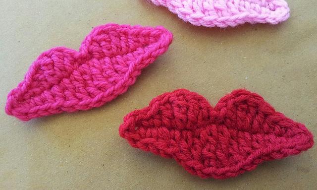 FREE Crochet lip applique pattern by Grace Lopez-Gingoyon on Ravelry #crochet #valentinesday