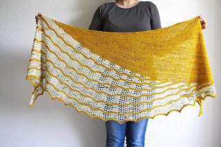 Good Vibes shawl