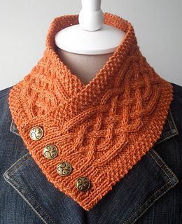 10 Free Mother's Day Knitting Patterns. List of 10 free knitting patterns that can make beautiful mothers day gifts. Scarves, gloves and more.