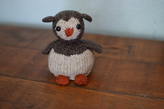 Owl and egg reversible knitted toy
