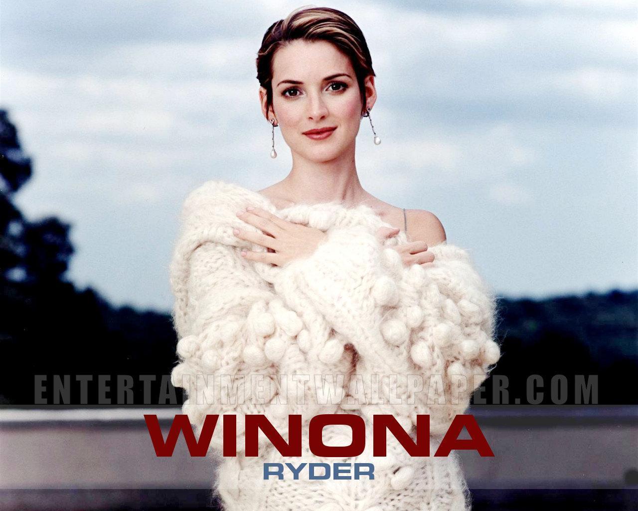 Winona Ryder - winona-ryder wallpaper