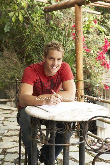 Justin <33 - justin-hartley photo
