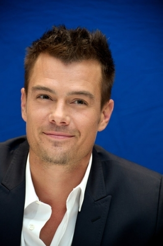 Josh @ Life As We Know It Press Conference - josh-duhamel photo