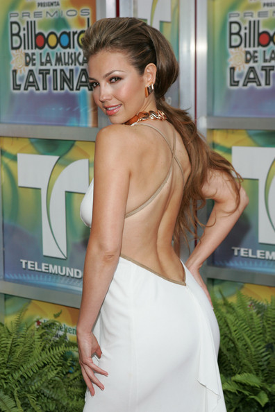 https://i2.wp.com/images4.fanpop.com/image/photos/20400000/Billboard-Latin-Music-Awards-28-04-2005-thalia-20436155-396-594.jpg