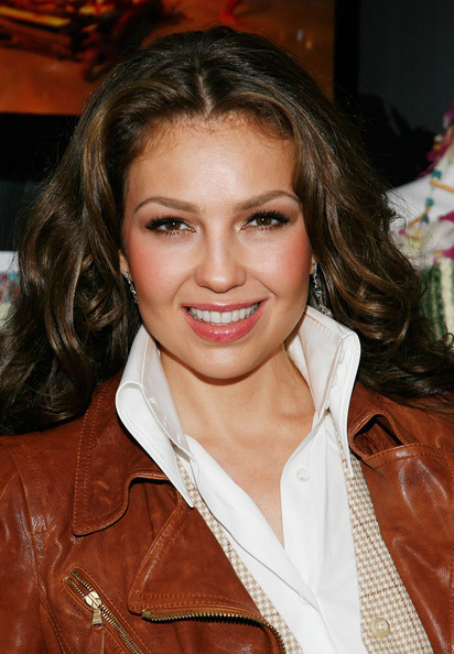 https://i2.wp.com/images4.fanpop.com/image/photos/20400000/Thalia-Launches-The-Fiesta-Tour-McDonald-s-Music-Experience-11-06-2009-thalia-20436409-412-594.jpg