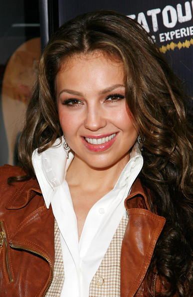 https://i2.wp.com/images4.fanpop.com/image/photos/20400000/Thalia-Launches-The-Fiesta-Tour-McDonald-s-Music-Experience-11-06-2009-thalia-20436442-387-594.jpg