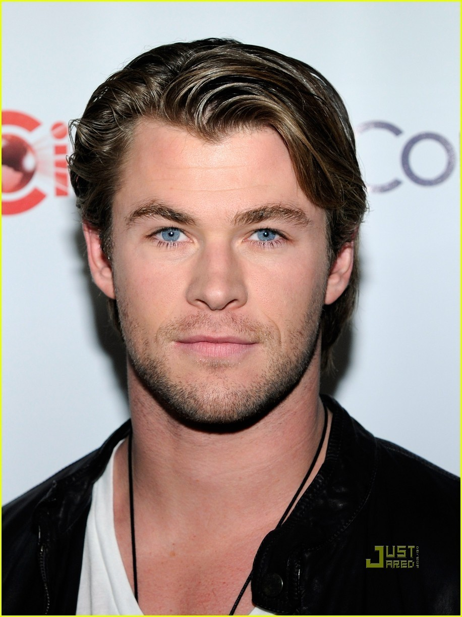 Chris Hemsworth: CinemaCon at Caesars Palace! - chris-hemsworth photo