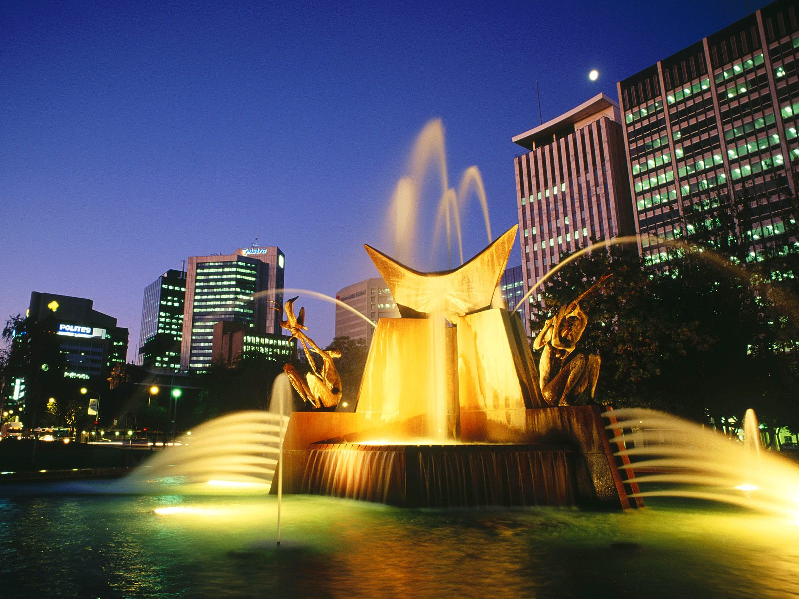 https://i2.wp.com/images4.fanpop.com/image/photos/23300000/Victoria-Square-Fountain-Adelaide-australia-23340375-1600-1200.jpg