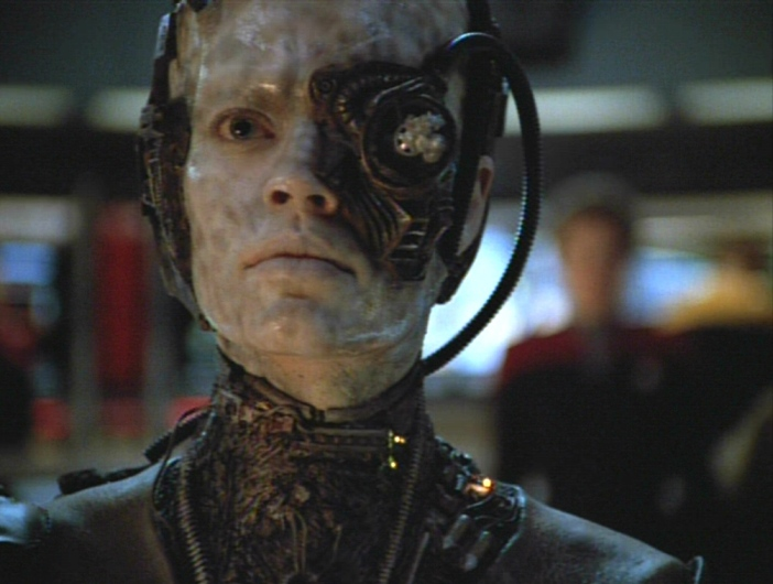 https://i2.wp.com/images4.fanpop.com/image/photos/23400000/Star-Trek-Voyager-Scorpion-Part-2-jeri-ryan-23485951-702-530.jpg