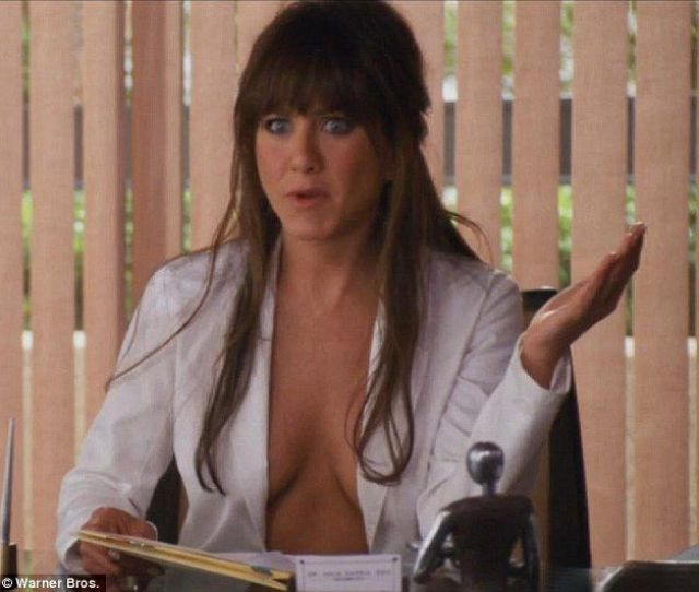 Jennifer Aniston Fondo De Pantalla Titled Sexy Pics From Horrible Bosses