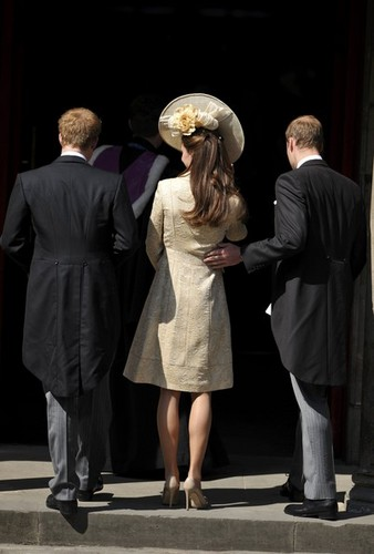 Prince William images Royal wedding of Zara Phillips and ...