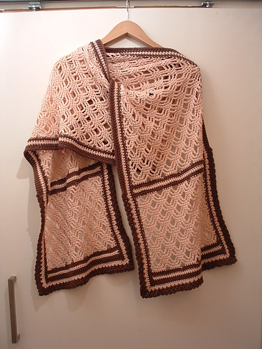 SO pretty!  Definitely worth digging up a back issue of Interweave Crochet!