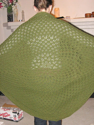 * This shawl is beautiful!