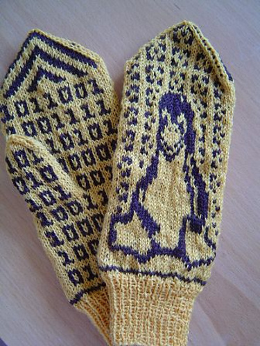 * Ok, Im giggling over these.  Too bad we just dont need mittens in Florida, I have a friend that would love these!