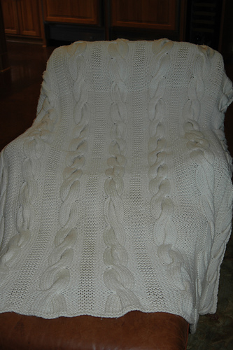 * Im not too sure a cabled afghan falls into the quick category, but it is gorgeous anyway!  :)