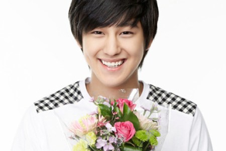 Awesome Boy Over Flowers Wallpaper
