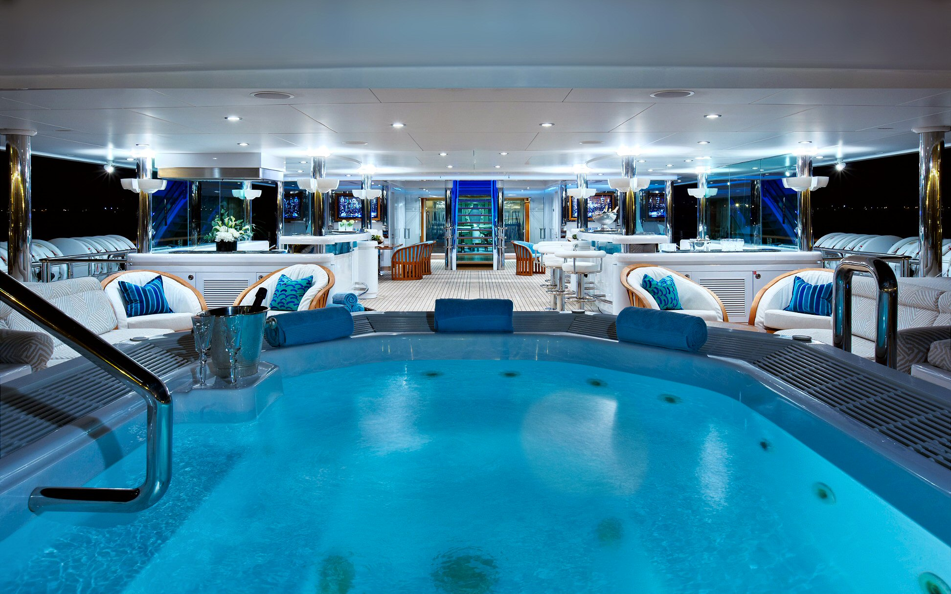 COOL BLUE 01 Yachtinterior 10october2012wednesday