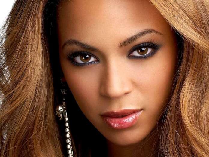 Beyonce terlihat cantik