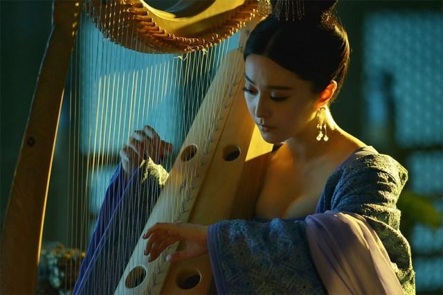 Adegan Seks Fan Bingbing Diatas Kuda Di Film Lady Dynasty 001