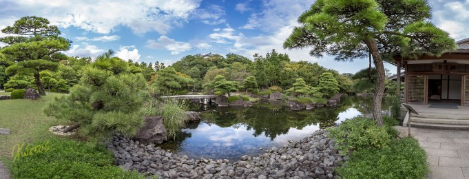 I thought it was about time for some Japanese garden panorama, in... Japan