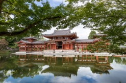 One of the most beautiful temples in Japan, I present you Byodoin Temple. Using reflection and framing, two of the photography techniques that I love.