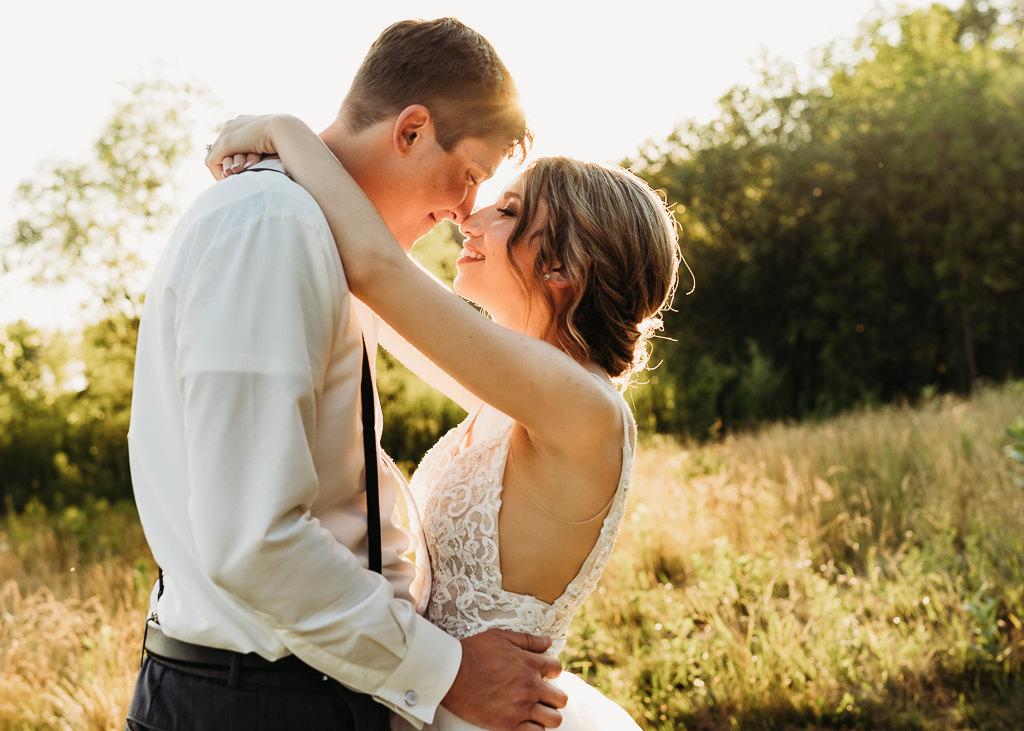 wedding photography from Blackberry Ridge Golf Course wedding at sunset