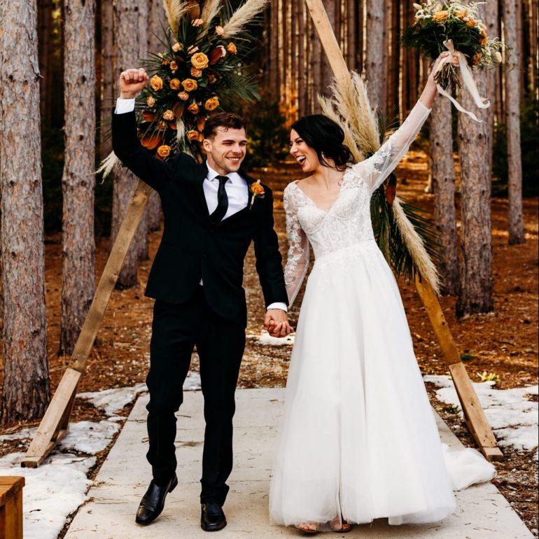 Minnesota wedding photographer, pinewood wedding photos, Pinewood weddings minnesota