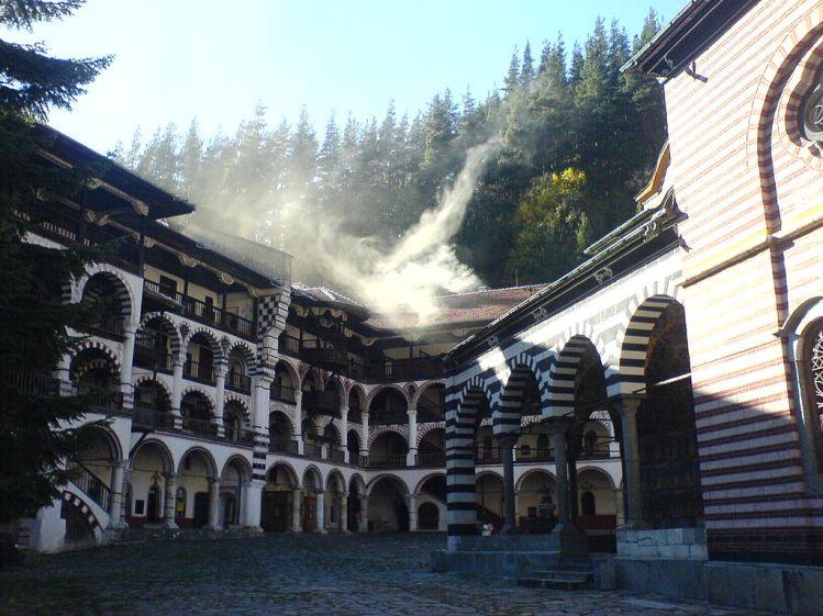 Photo: wikipedia - Rila Monastery / Рилски Манастир