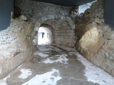 проход под стадиона / A vaulted passage-street under the sfendona of the stadium