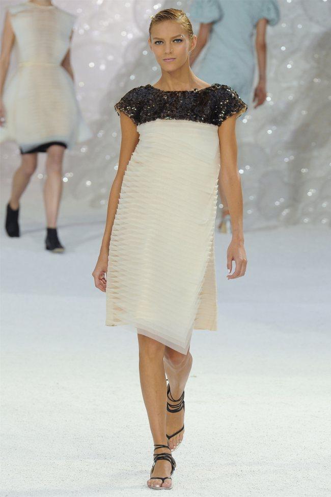 chanel71 Chanel Spring 2012   Paris Fashion Week
