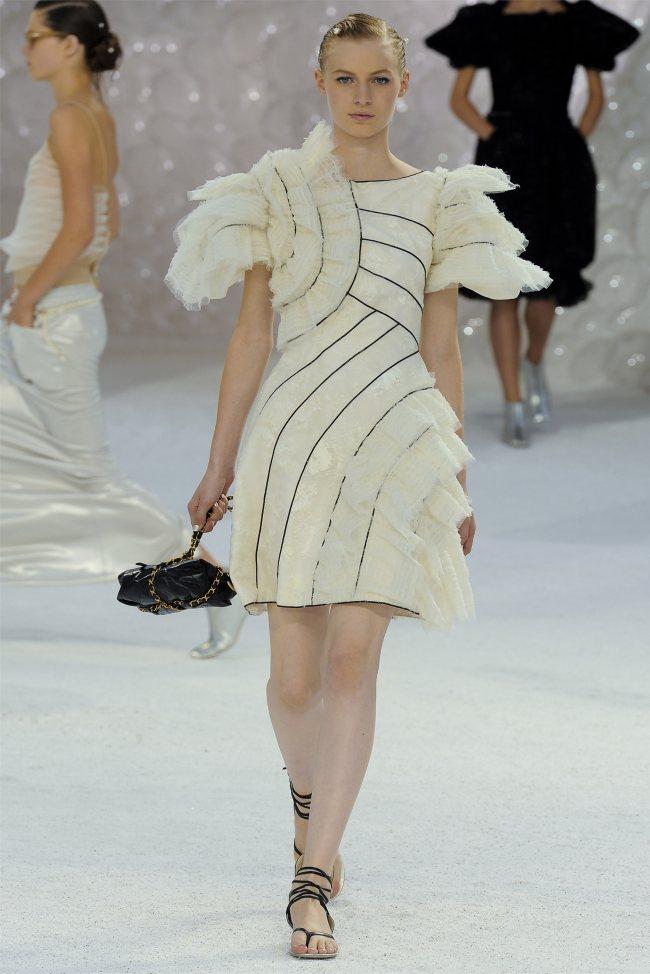 chanel80 Chanel Spring 2012   Paris Fashion Week