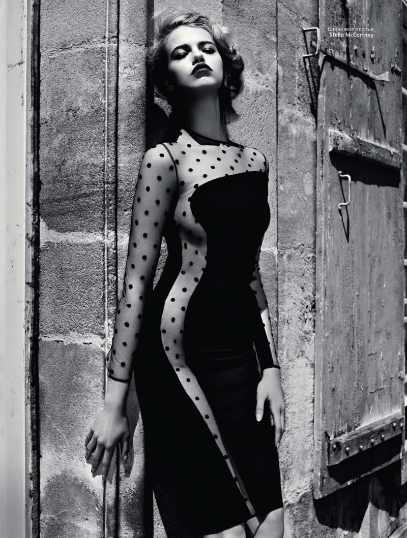 c7e36981480c Hailey Clauson by Miguel Reveriego for Vogue Russia August 2011 via FGR