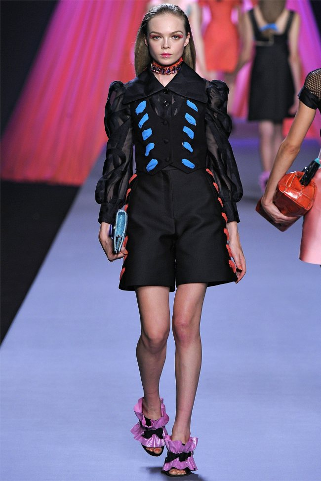 viktor rolf9 Viktor & Rolf Spring 2012 | Paris Fashion Week