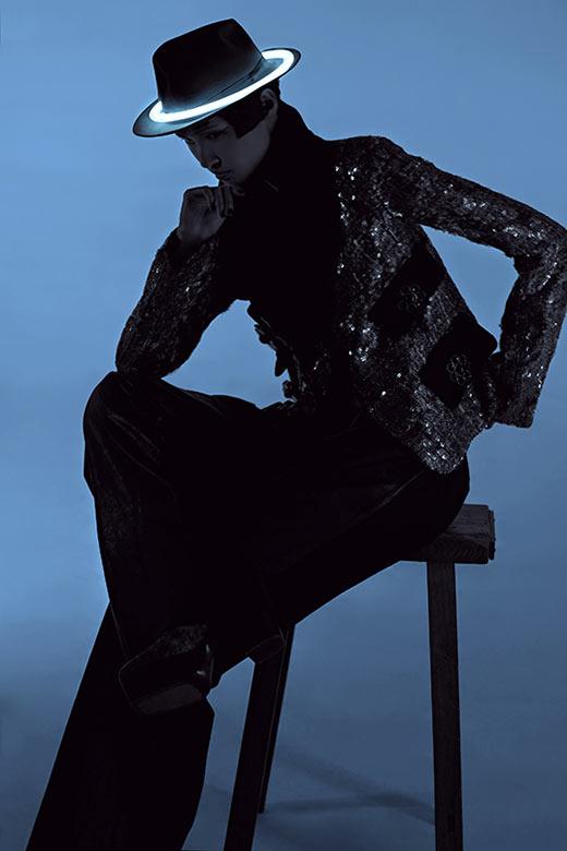 wang xiao9 Wang Xiao Lights Up for Harpers Bazaar China Art by Charles Guo