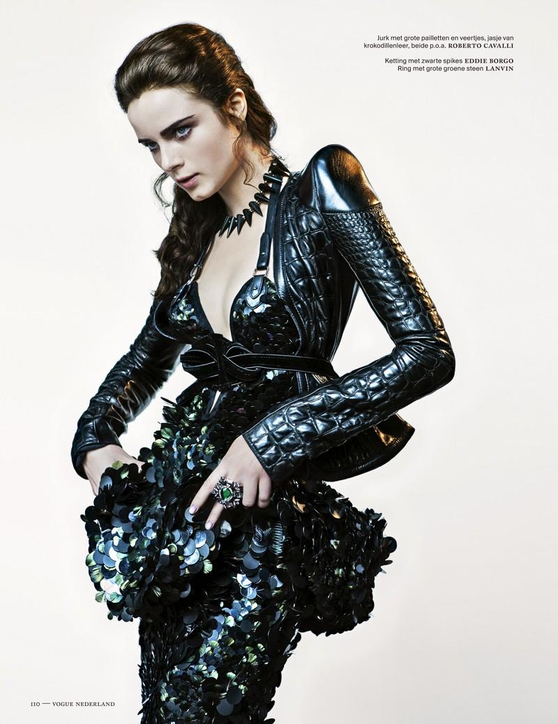 anna de rijk5 Anna de Rijk Dresses for Halloween in Vogue Netherlands November Issue, Lensed by Marc de Groot