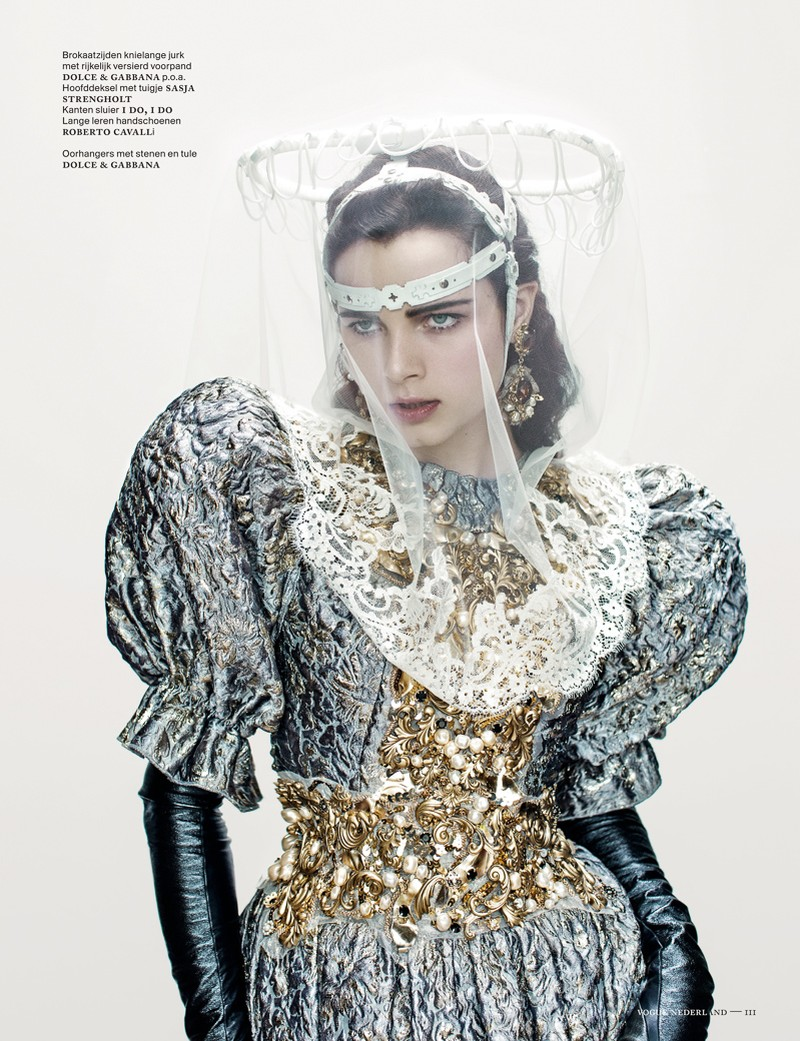 anna de rijk8 Anna de Rijk Dresses for Halloween in Vogue Netherlands November Issue, Lensed by Marc de Groot
