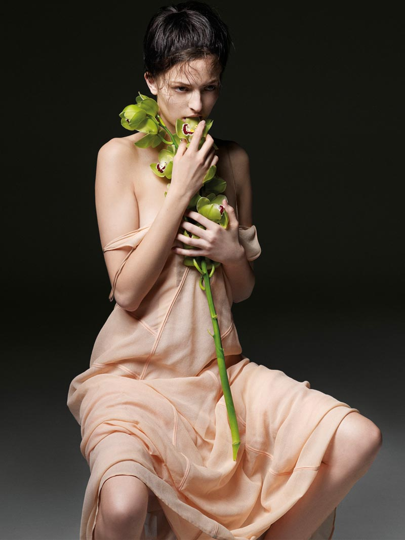 the room3 Liu Wen, Anais Pouliot, Querelle Jansen & Others Keep it Natural for The Room S/S 2012