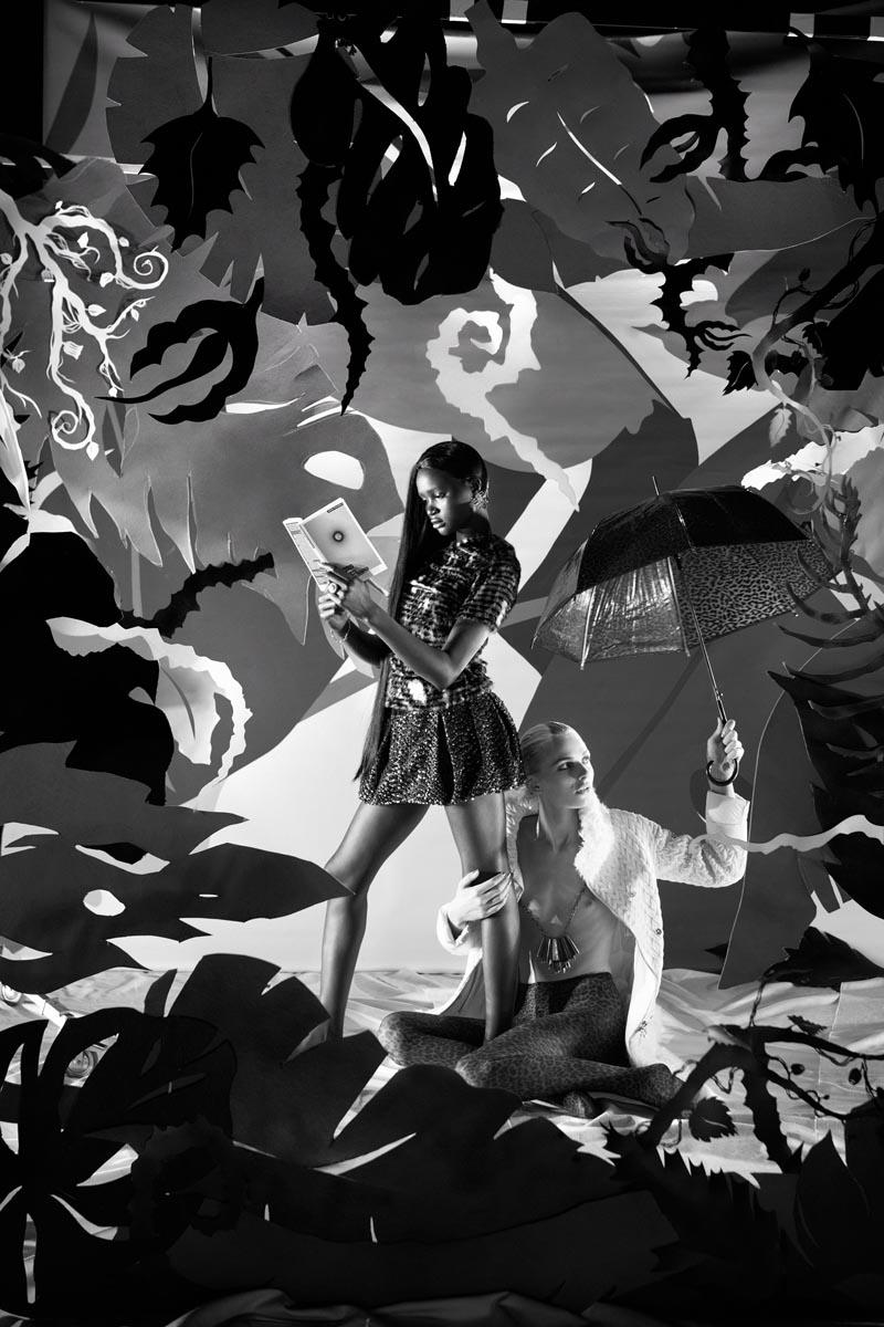 elle4 Andrej Pejic & Ataui Deng Take a Trip for Garage #3 by Elle Muliarchyk