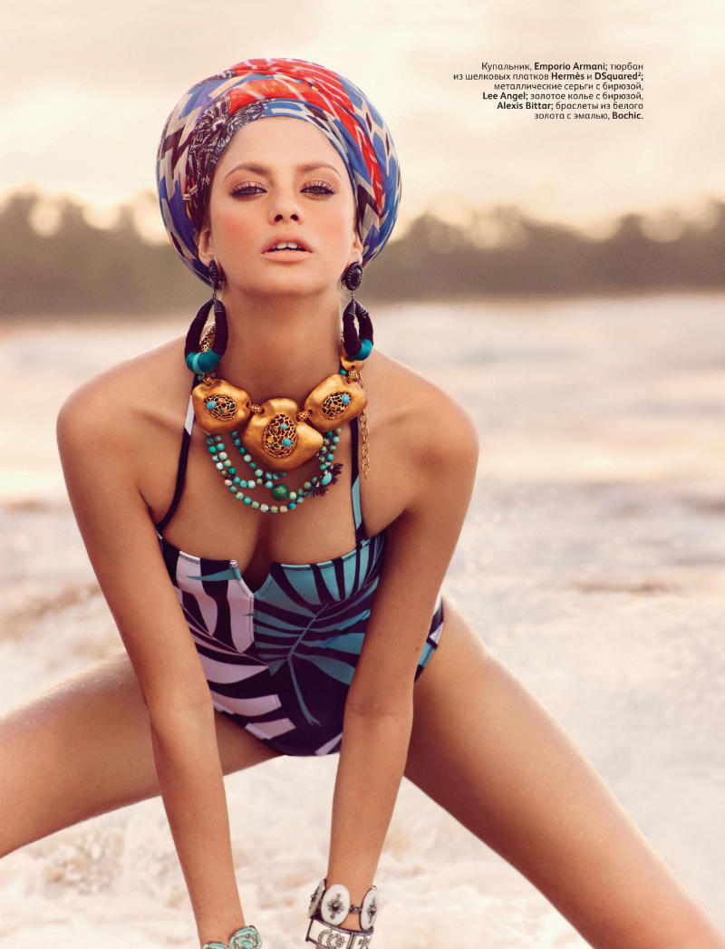 alonso7 Alejandra Alonso by Mariano Vivanco for <em>Vogue Russia</em> May 2011