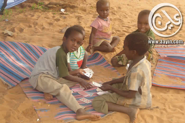 اطفال من معسكر الرياض بالجنينة