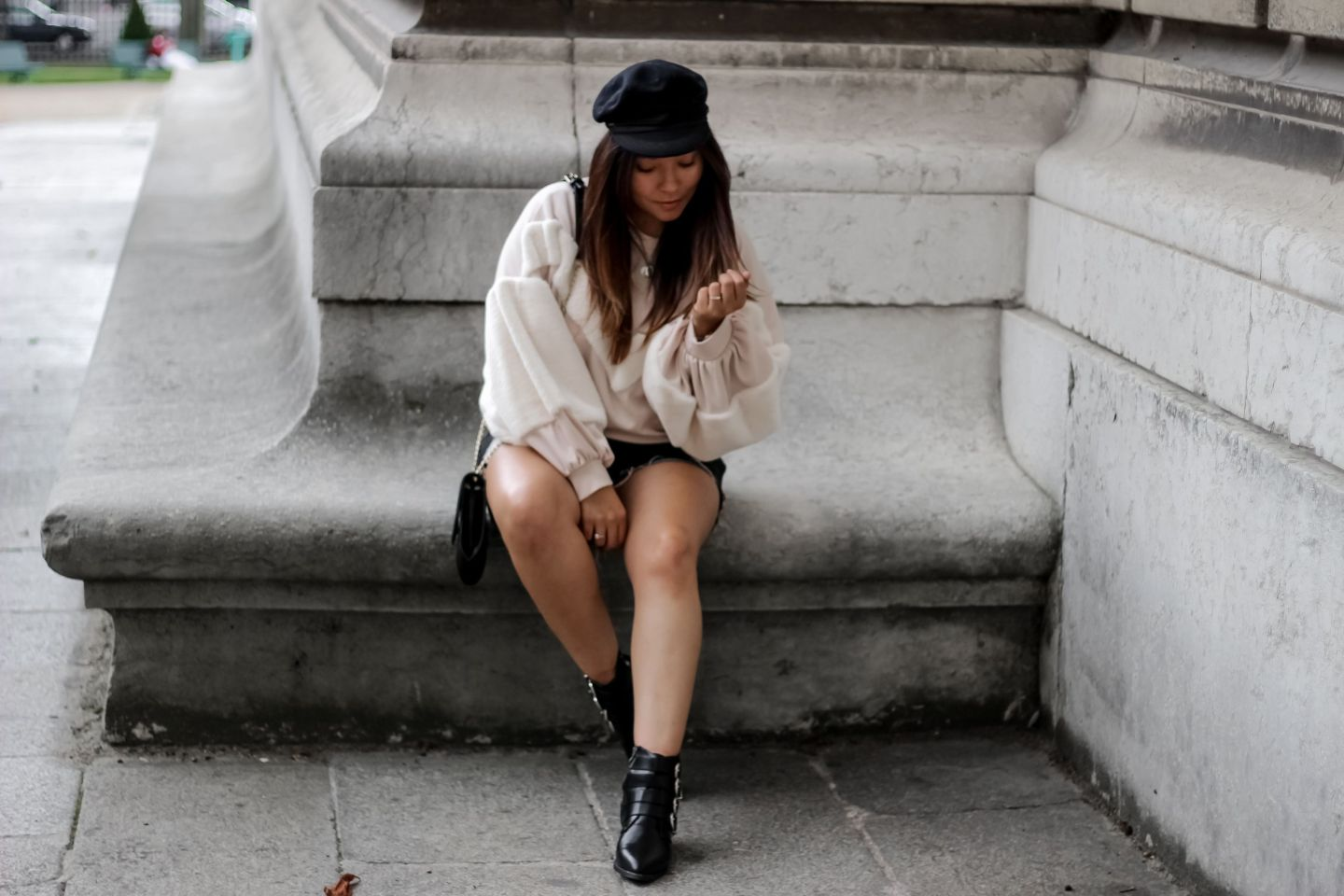 blog mode, blogueuse mode, the green ananas, shein, zara, casquette st james, sac lou sandro, boots cloutés femme, boots oucles femme, boots femme, sweater, love boots