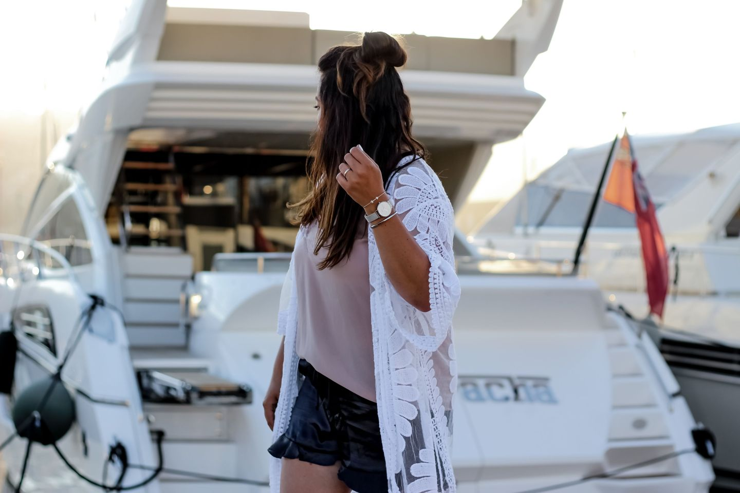 golfe juan, blog mode, mango, short soie, short satin, the green ananas, blogueuse mode, blogger, caftan, french riviera, yacht, daniel wellington, sunset
