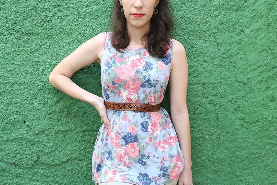 A combinação de tons pastéis com o floral resultou em um look feminino, sem ficar forçado. http://petitandy.com