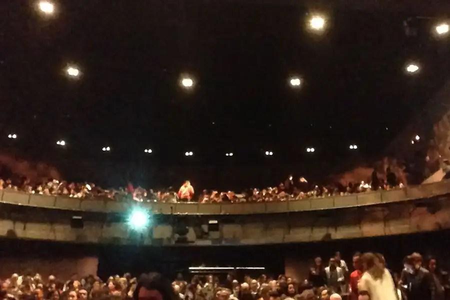 """A peça da Brodway """"Os Miseráveis"""" chegou no Brasil e tem tudo que é esperado em um musical de alto padrão, mas não para por aí! http://petitandy.com"""