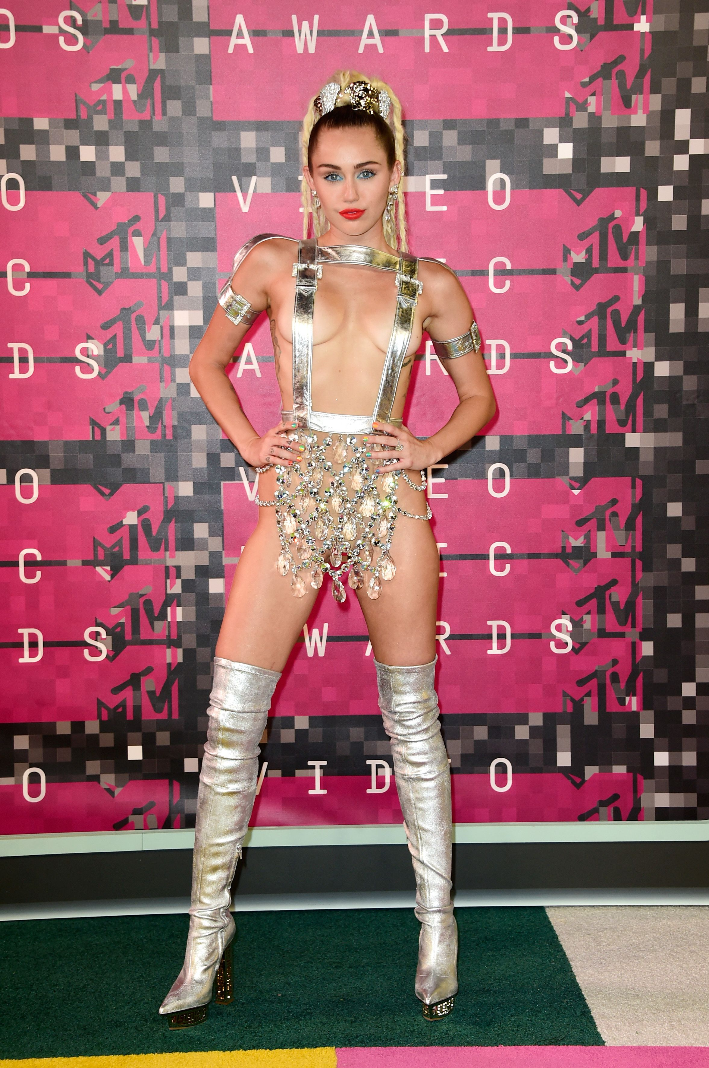 LOS ANGELES, CA - AUGUST 30: Host Miley Cyrus attends the 2015 MTV Video Music Awards at Microsoft Theater on August 30, 2015 in Los Angeles, California. (Photo by Frazer Harrison/Getty Images)