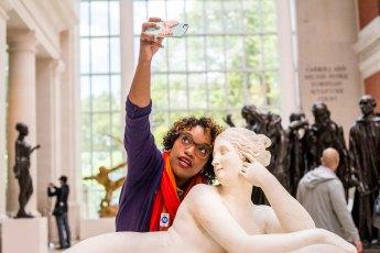 Winston Struye, Museum selfie, MMA, New York, 2014.