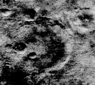 1e photographie de Mars, Mariner 4, 1965 (NASA).