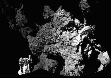 1e photographie au sol de Tchouri, Philae (ESA).