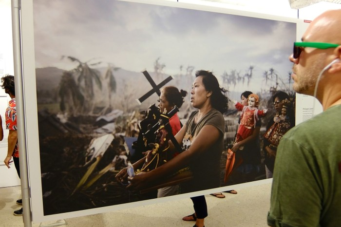Philippe Lopez, Typhoon survivors, exposition World Press Photo à Perpignan (édition 2014, photo AG).